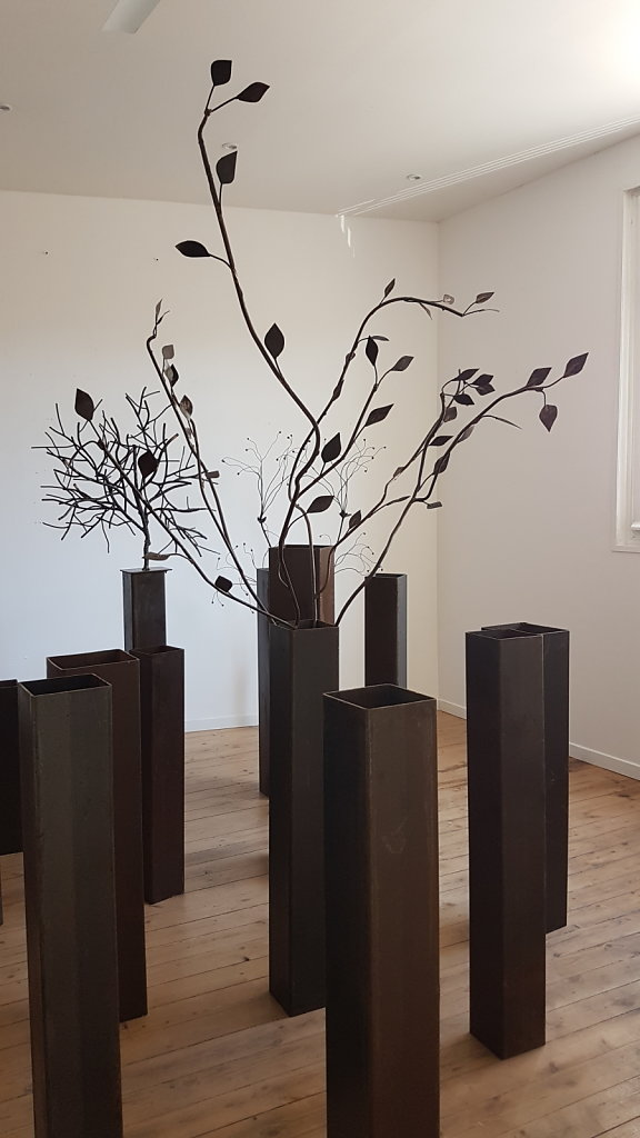 installation des socles et du bouquet de branches